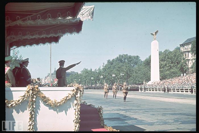 http://historian.persiangig.com/WWII/019.jpg